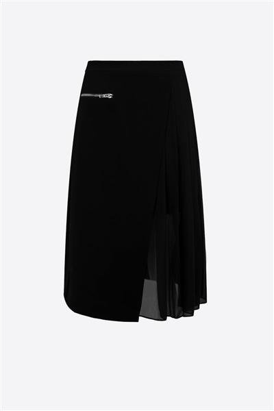Black skirt with chiffon